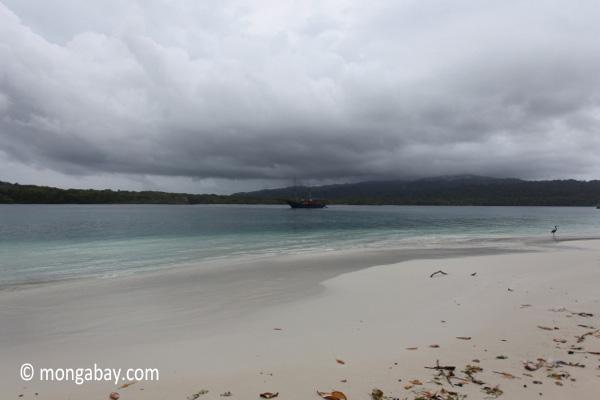 Ship off Peucang Island [java_0138]