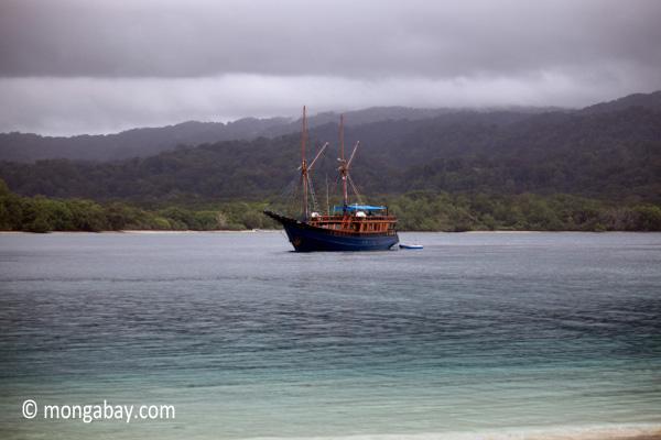 Boat off Peucang Island