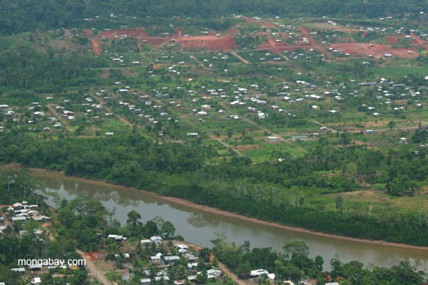 Aerial view of oil and frontier town Coca in the Ecuadorean Amazon. Photo by: Jeremy Hance.