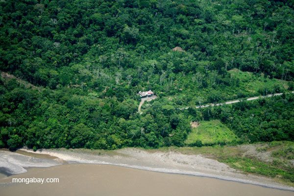 Settlement and deforestation along Napo River in Ecuadorian Amazon
