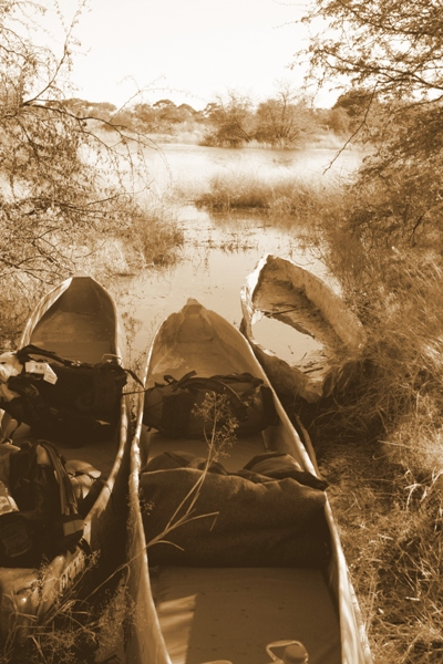 Makoros, boats for the delta