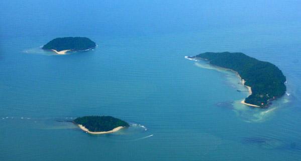 Islands off the coast of Borneo (Sabah, Malaysia)