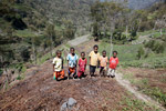 Kids among sweet potato fields in the highlands of New Guinea [papua_0157]