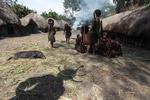 Children in a Dani village [papua_0486]