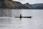 Man canoeing in Lake Sentani [papua_0849]