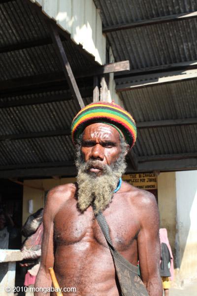 Papuan man in Wamena [papua_0022]