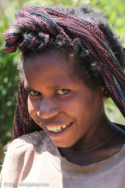 Girl in Anyelma [papua_0192]