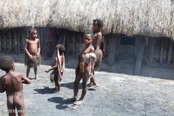 Dani children [papua_0644]
