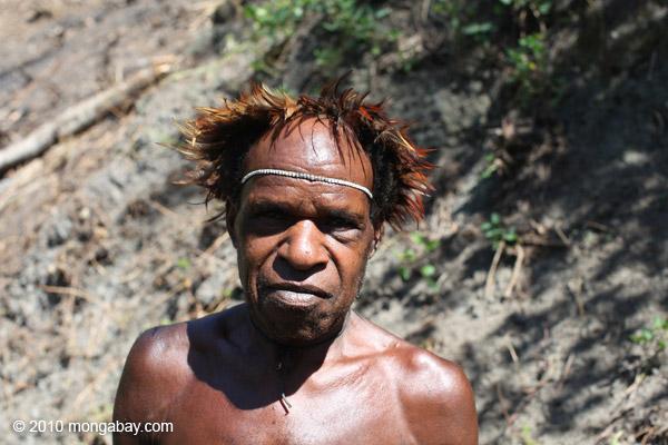 Papua man in tradition dress [papua_5229]
