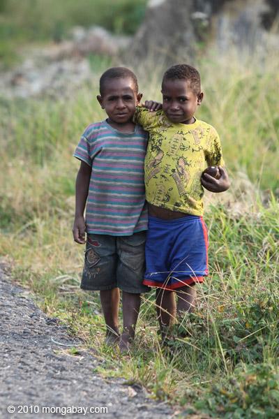 Papuan kids [papua_5333]
