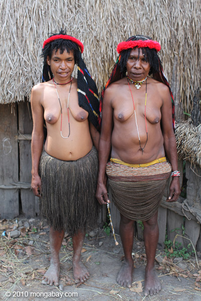 Dani women [papua_5360]