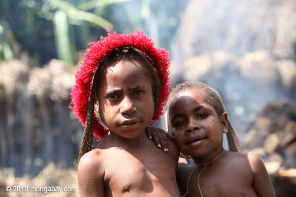 Papuan boys [papua_5845]