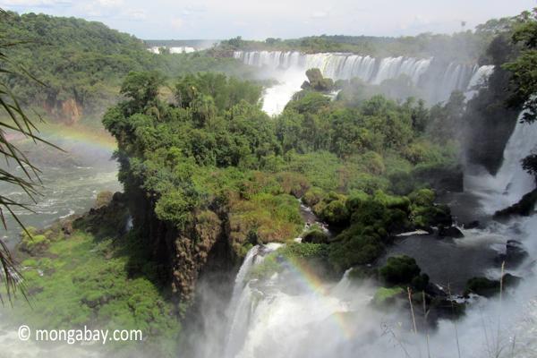 Iguassu Fallsscenery,iguassu falls,igauzu falls,waterfalls,argentina