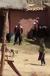 Weavers at Ayllunchispa Taqin