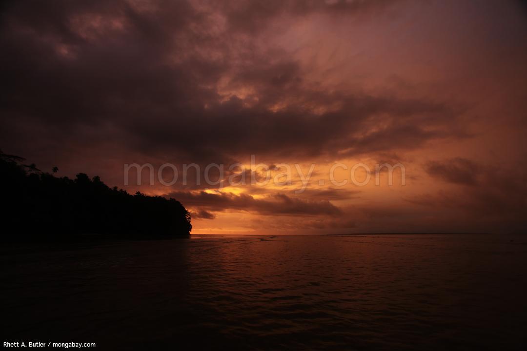 Sonnenuntergang auf Nordsulawesi
