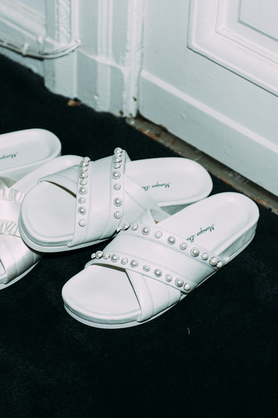 Bridal slides pearl