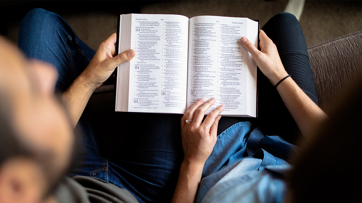 photo: couple reading a Bible