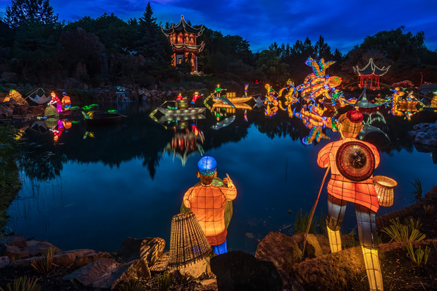 Botanical Garden lights up the night  Montreal Families