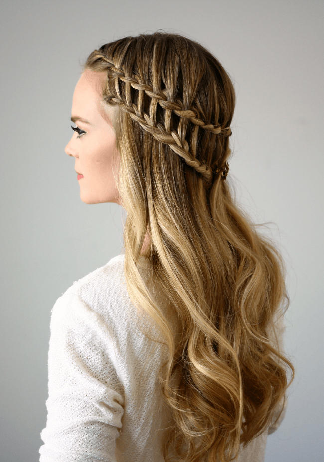 36 Curly Prom Hairstyles That Will Make Heads Turn - More