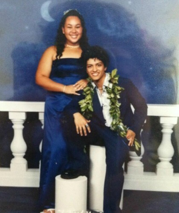 20 Awkward Celebrity Prom Pictures That Will Make You Lol More