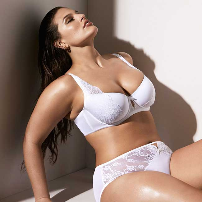 Model Ashley Graham wearing lace bra and underwear.