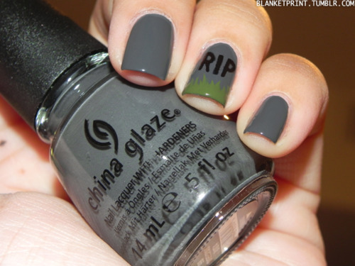 gray gravestone halloween nails
