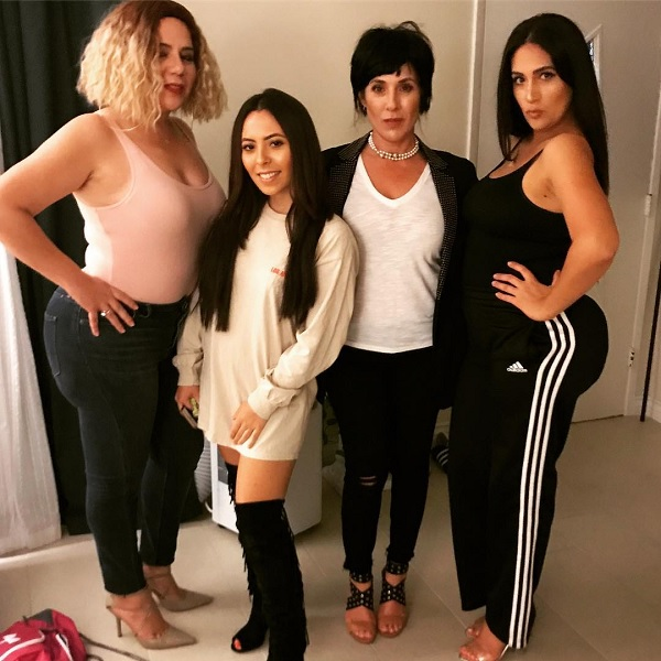kim kardashian costume with the rest of the kardashian-jenners for halloween