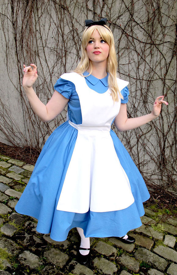 Original Halloween Costumes.Alice In Wonderland Halloween Costumes You Ll Go Mad For More