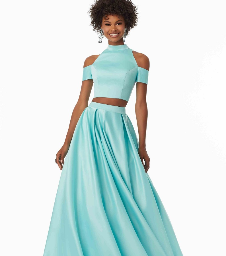 13 Prom Dresses That Will Make You Dazzle Like A Disney Princess