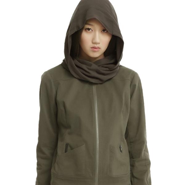 Join the Rebel Alliance with this Jyn Erso-inspired jacket, complete with an epic hood-scarf combo.