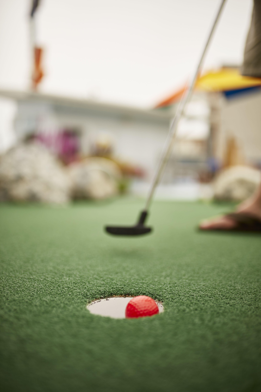 1 Starlux Mini Golf