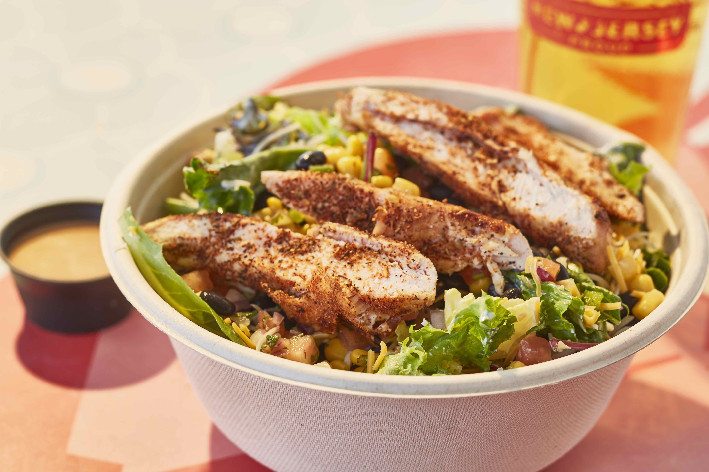 Grilled-Southwest-Chicken-Salad_190107_212206.jpg#asset:32723