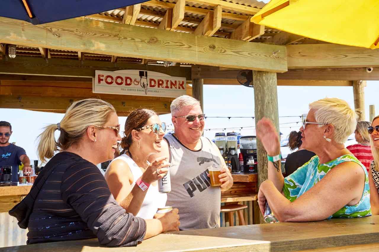 Pig Dog Beach Bar 2