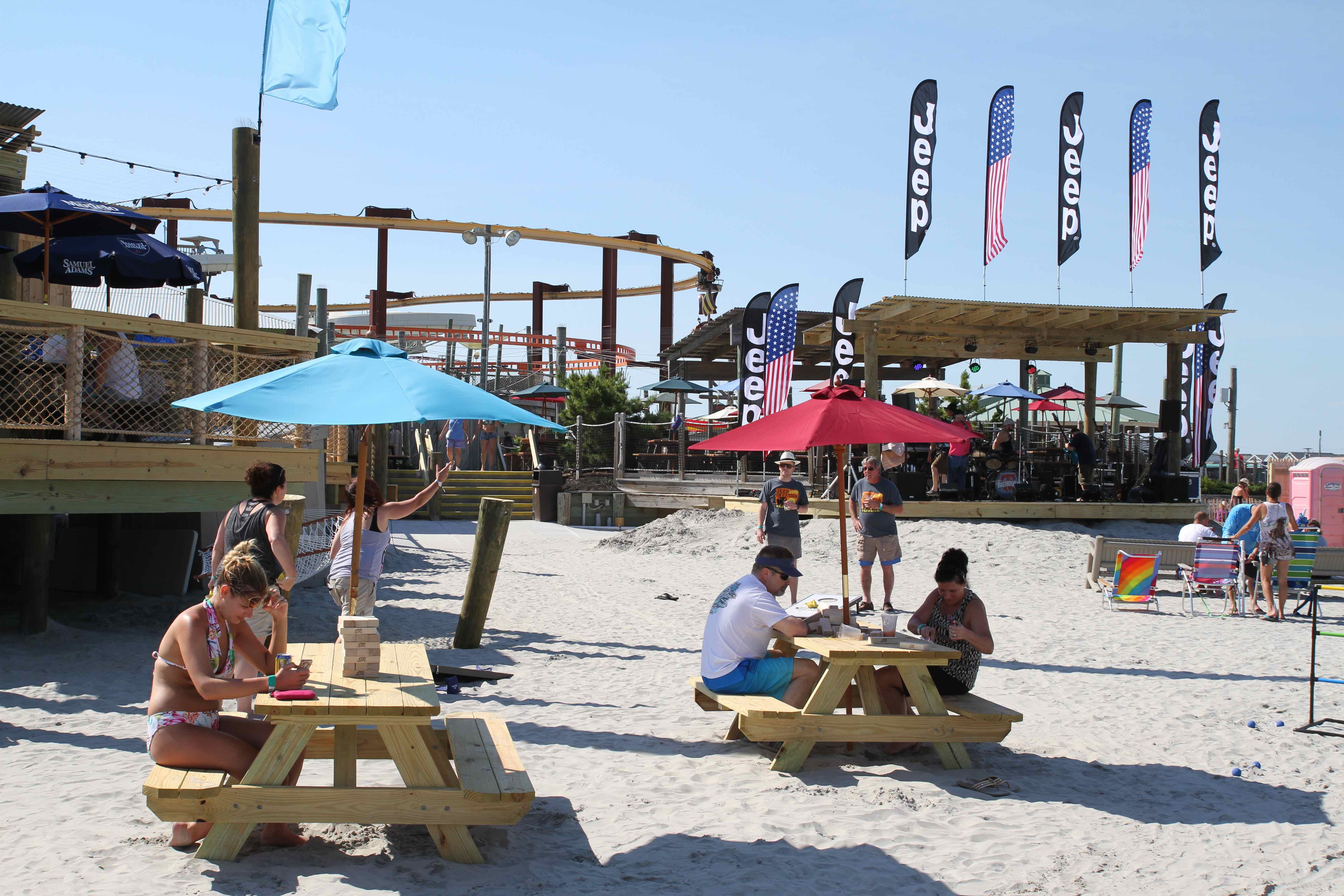 Pig Dog Beach Bar15