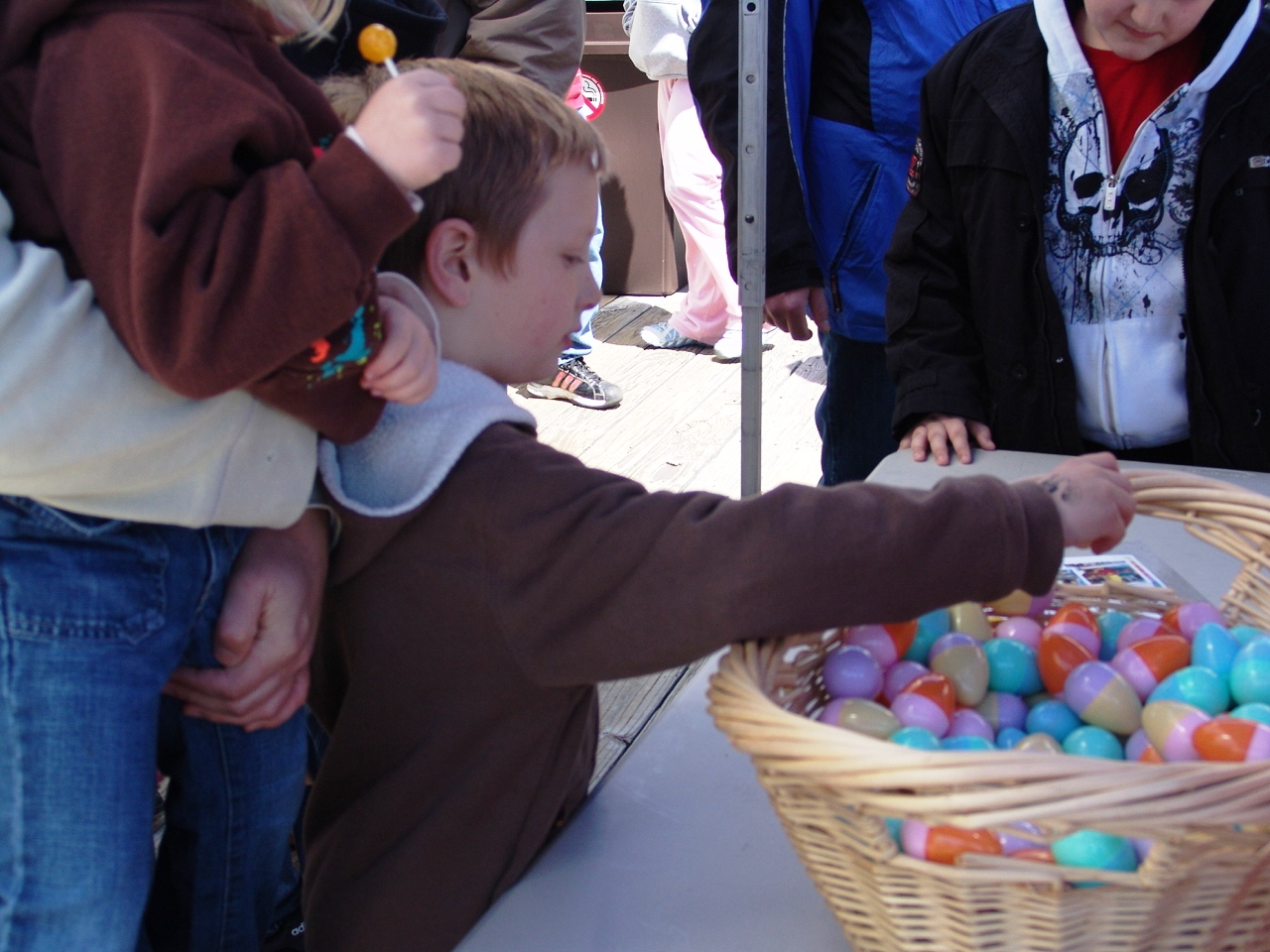 2009  Easter 24