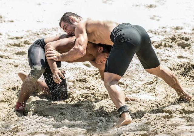 Beach Wrestling Copy