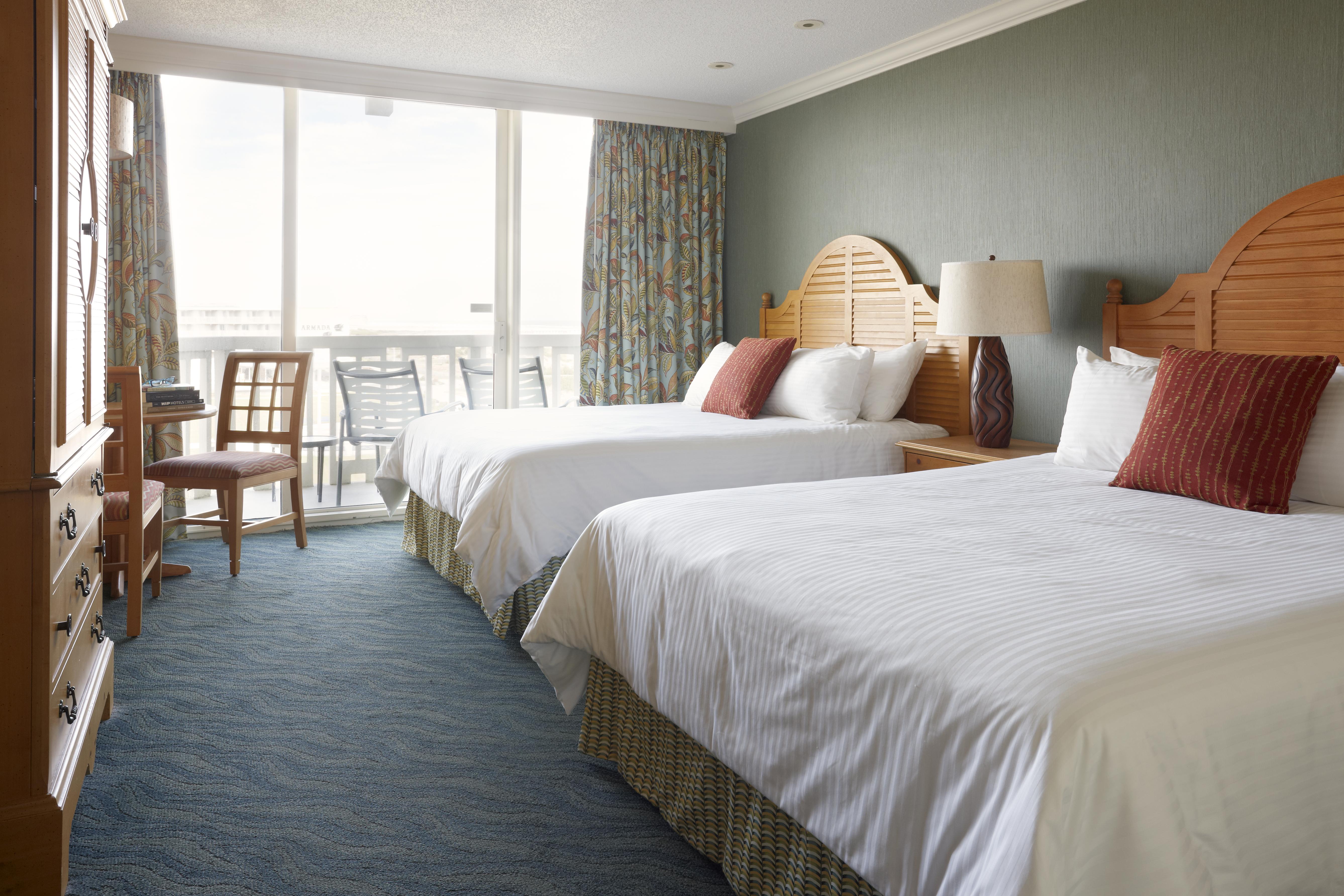Deluxe  Hotel  Room  D