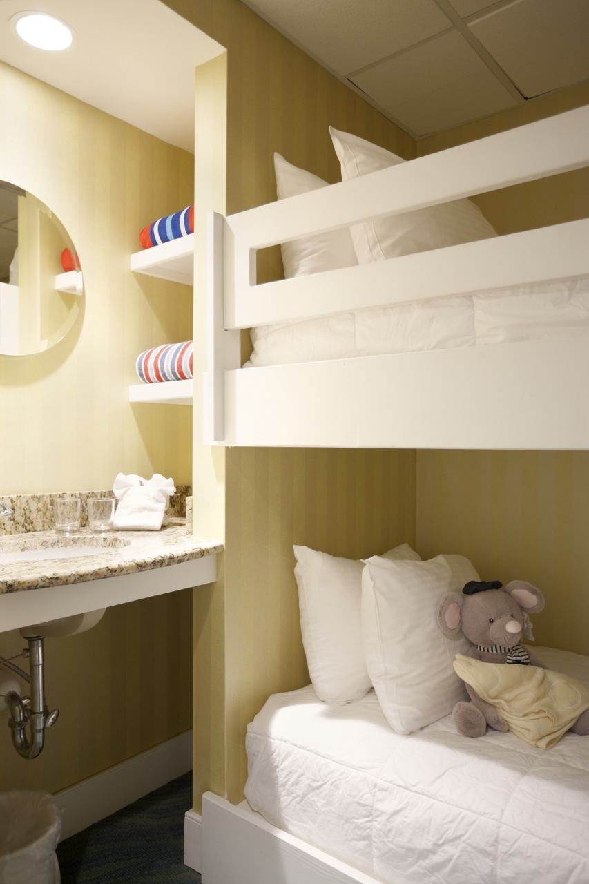 Pr  Deluxe  Ocean  Room  Suite  Bunk  Beds
