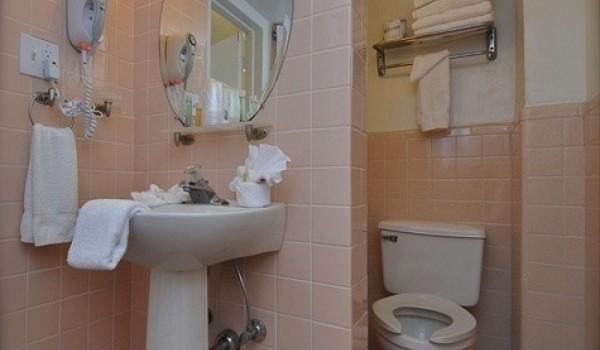 Starlux  Bathroom