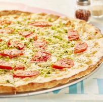 2422 Whole White Pizza W Tomatoes Broccoli