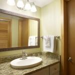 Pr  Deluxe  Hotel  Room  Bath