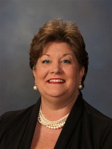Reneé Garland : Business Manager