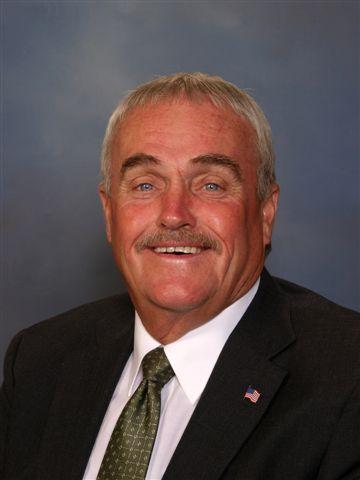 Roy Crane : Funeral Assistant