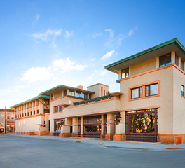 Bergland + Cram Historic Park Inn Hotel exterior