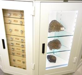 Custom-museum-cabinets-display-lighting-storage-mt6wcb3pjtrubvosala665g03qb7ag0ada4mhpa2bk
