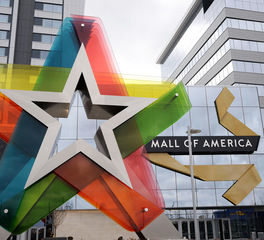 Emanuelson-podas-mall-of-america-1