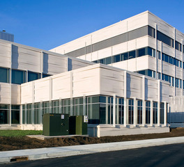 Gage Brothers Marshfield Clinic Health System Hospital and Cancer Center Eau Claire Wisconsin Exterior Facade