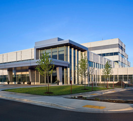 Gage Brothers Marshfield Clinic Health System Hospital and Cancer Center Eau Claire Wisconsin Main Entrance Exterior