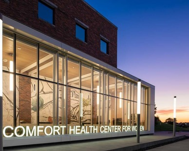 MODUS renovated the Mercy Comfort Health Center for Women and adding an new clinic entrance and lobby design