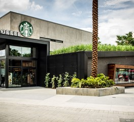 Landstudio starbucks disney springs exterior
